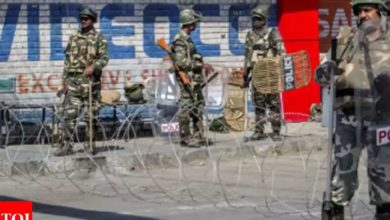 Photo of Terrorist attack in Pulwama;  The policeman and his wife were shot and killed