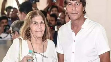 Photo of Chunky Pandey's mother Snehlata Pandey passes away, celebs reach the actor's house