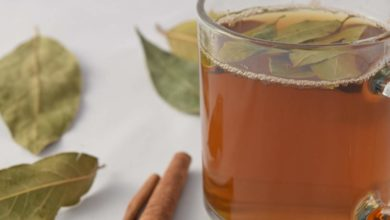 Photo of Medicinal tea can be prepared by adding cinnamon leaves.