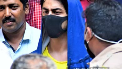 Photo of Aryan Khan will remain in jail, court will decide on his bail application on October 20
