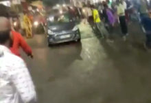 Photo of Durga Idol Dive – Amitha's car crashed into a crowd during Dussehra celebrations;  Serious injury to three people, including a child, after chhattisgarh crashed into the crowd during durga idol's dive in bhopal